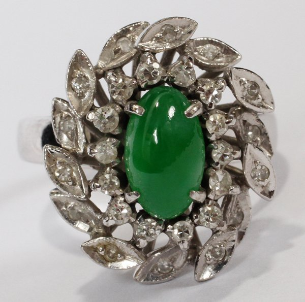 111005: 14KT WHITE GOLD, BURMESE JADE & DIAMOND RING