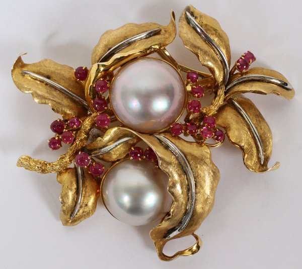 111006: 14KT GOLD, RUBY & MABE PEARL BROOCH, W 2 1/2""