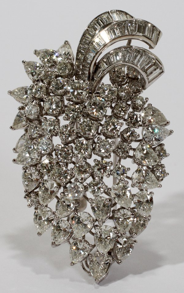 111007: PLATINUM & DIAMOND BROOCH/PENDANT