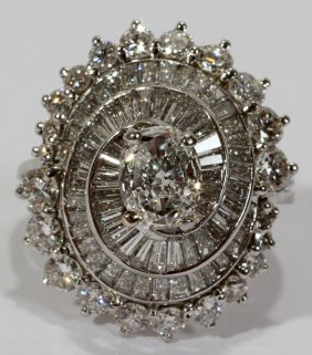 111008: PLATINUM & DIAMOND RING