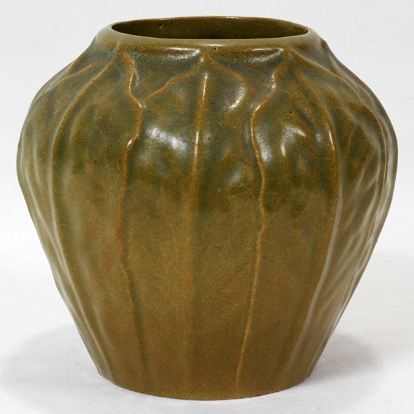 111012: CHICAGO CRUCIBLE ART POTTERY VASE, H 5 1/2""