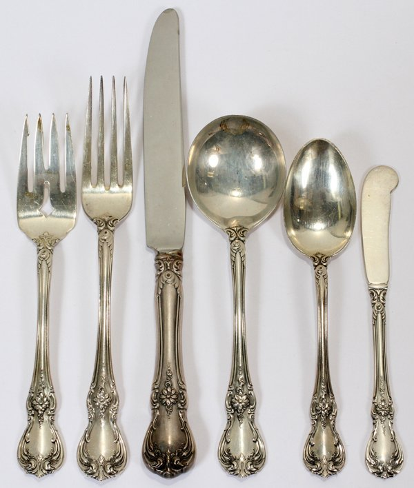 121016: TOWLE 'OLD MASTER' STERLING FLATWARE SET