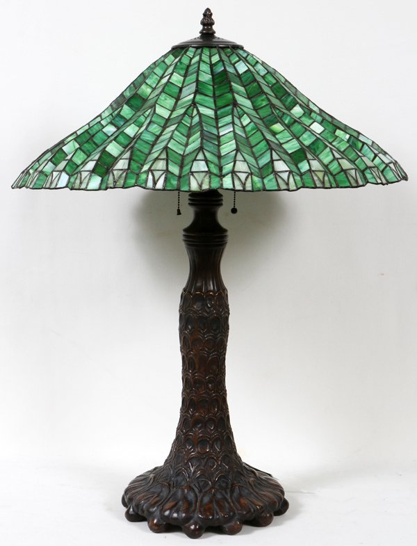 "010014: ART LEADED GLASS LAMP, MODERN, H 35"", DIA 27"""