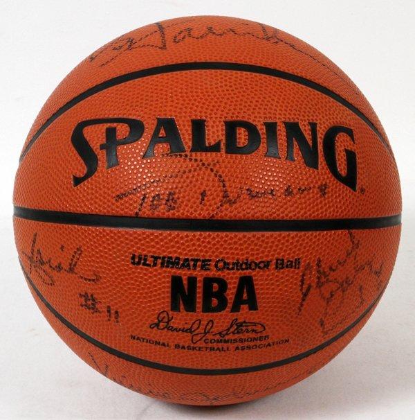 1989-1990 DETROIT PISTONS SIGNED BASKETBALL