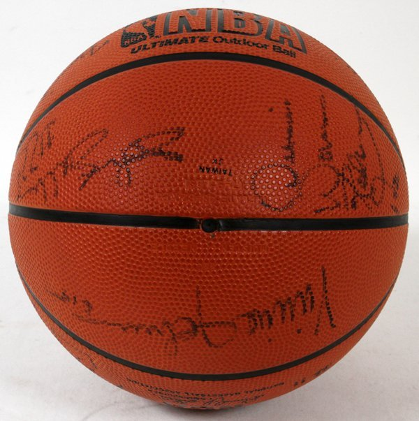 1989-1990 DETROIT PISTONS SIGNED BASKETBALL - 3