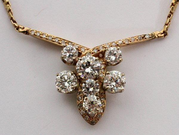 LADY'S DIAMOND AND 14KT. YELLOW GOLD NECKLACE