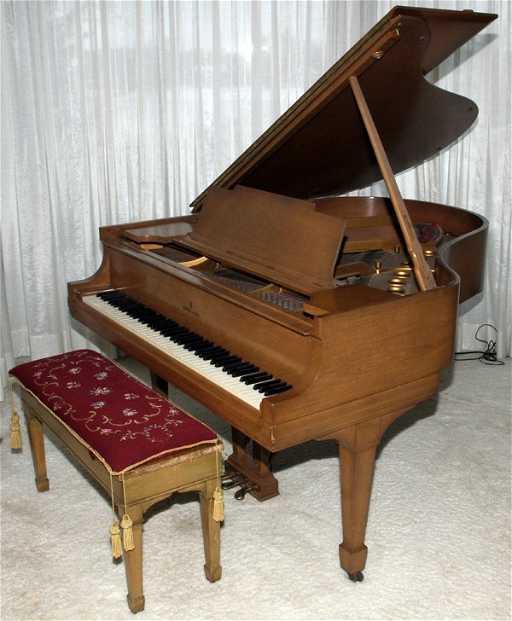 Steinway Mahogany Baby Grand Piano C 1934