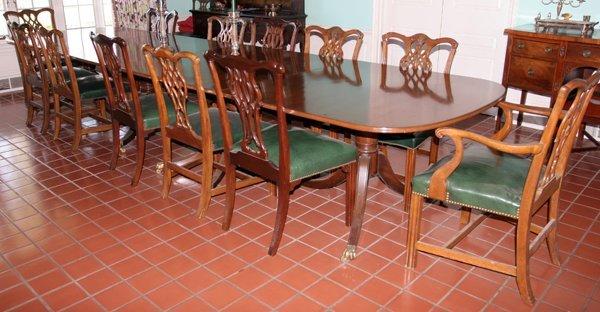 IRISH GEORGIAN STYLE MAHOGANY BANQUET TABLE
