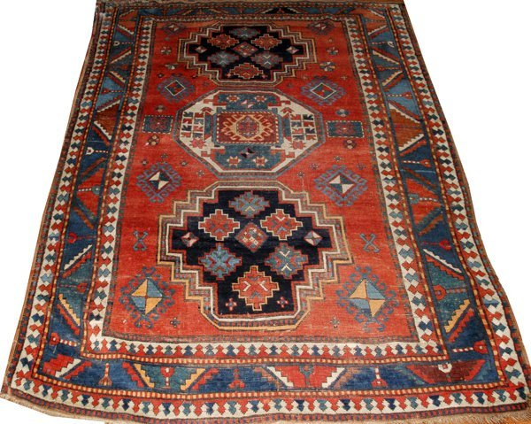 "SHIRVAN ANTIQUE WOOL RUG, 4' 8"" X 7' 4"""