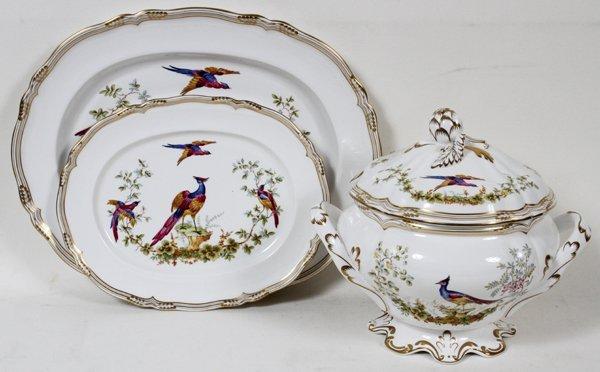 SPODE 'CHELSEA BIRD GOLD' TUREEN AND PLATTERS