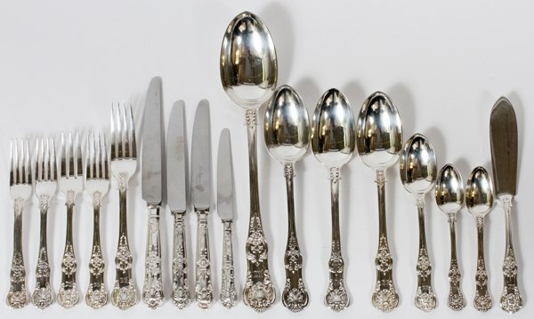 ENGLISH QUEEN'S PATTERN STERLING FLATWARE 174ct