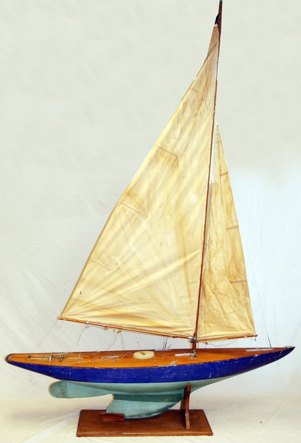 MELATI PAINTED WOOD POND BOAT C.1940'S