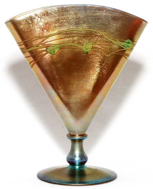 STEUBEN DECORATED GOLD AURENE GLASS FAN VASE
