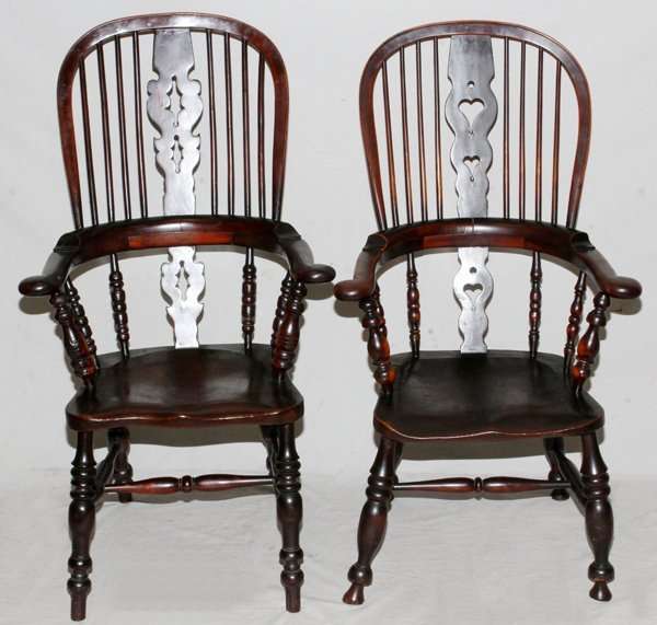 ENGLISH OAK WINDSOR CHAIRS C. 19TH CENTURY PAIR