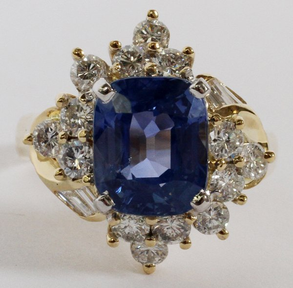 18KT GOLD 5.34CT NATURAL SAPPHIRE & DIAMOND RING