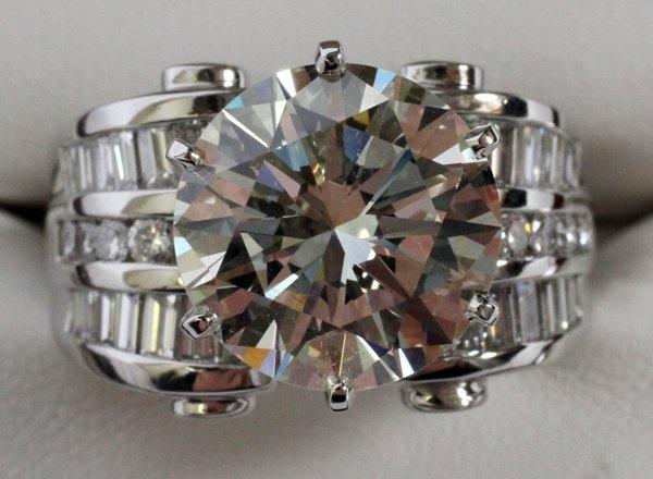 6.32 CT ROUND BRILLIANT CUT DIAMOND PLATINUM RING