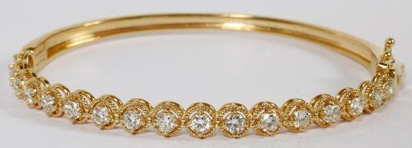 14KT GOLD & 2.03CT DIAMOND BANGLE BRACELET