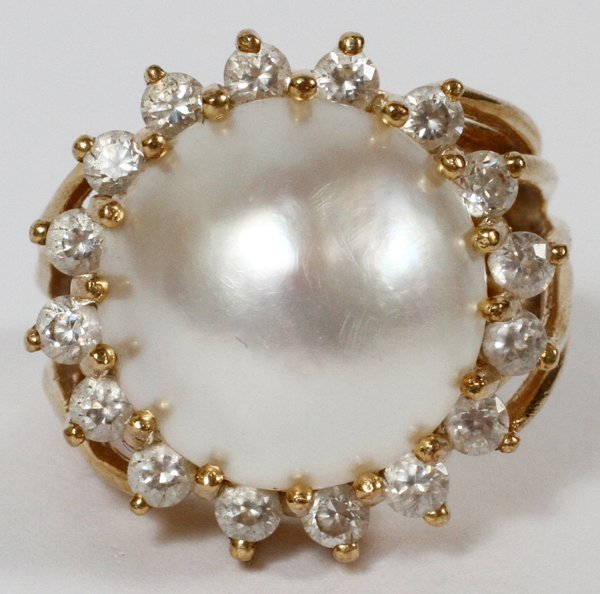 14 KT GOLD MABE PEARL & DIAMOND COCKTAIL RING