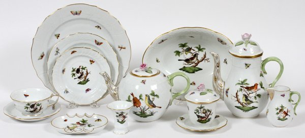 HEREND 'ROTHSCHILD BIRD' PORCELAIN DINNER SET 67