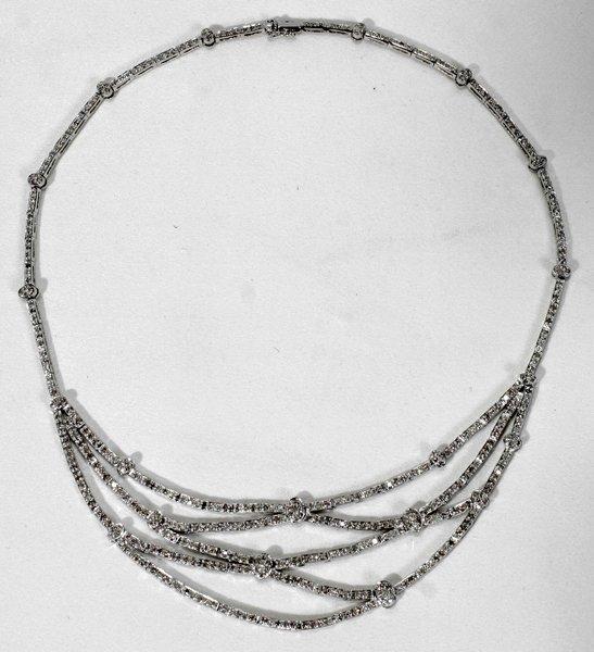 110009: DIAMOND & WHITE GOLD NECKLACE