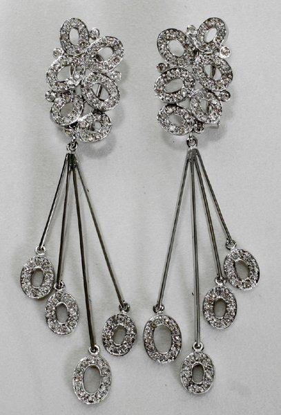 110013: DIAMOND & WHITE GOLD EARRINGS