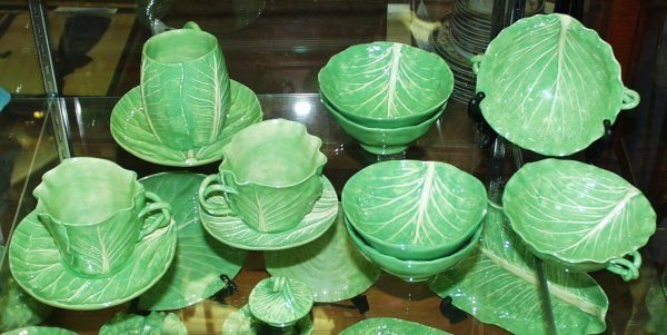 111514: DODIE THAYER DOTTERY LETTUCE LEAF WARE