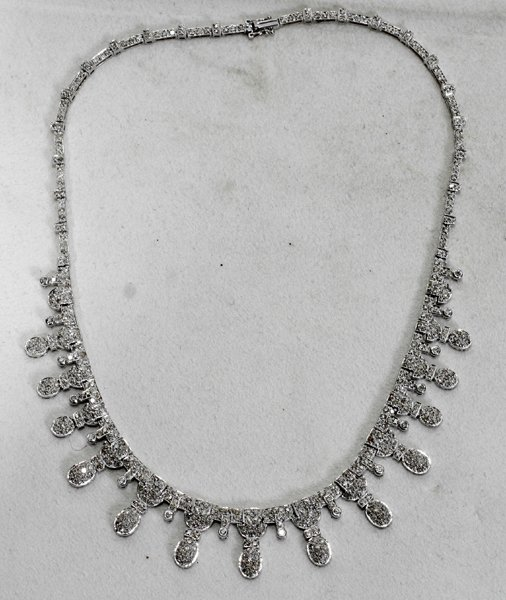120003: 7 CT. T/W DIAMOND & 18 KT. WHITE GOLD NECKLACE