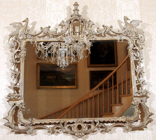 121032: CHIPPENDALE STYLE CHINOISERIE MIRROR