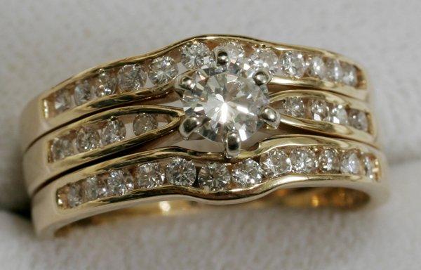 121428: 14KT YELLOW GOLD & DIAMOND WEDDING RING SET