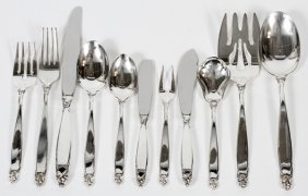 Lunt 'counterpoint' Sterling Flatware Set