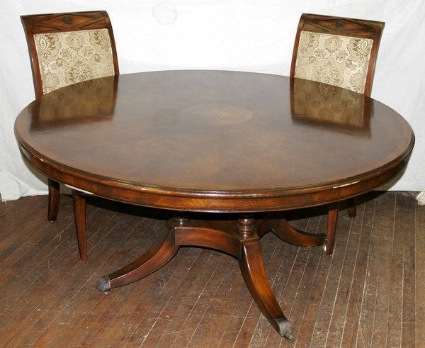 030004: HENREDON MAHOGANY DINING TABLE & CHAIRS
