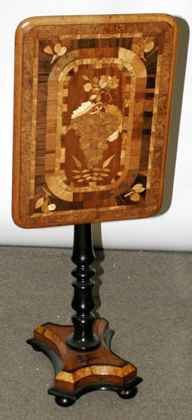 030015: ENGLISH MARQUETRY-INLAID TILT-TOP TABLE