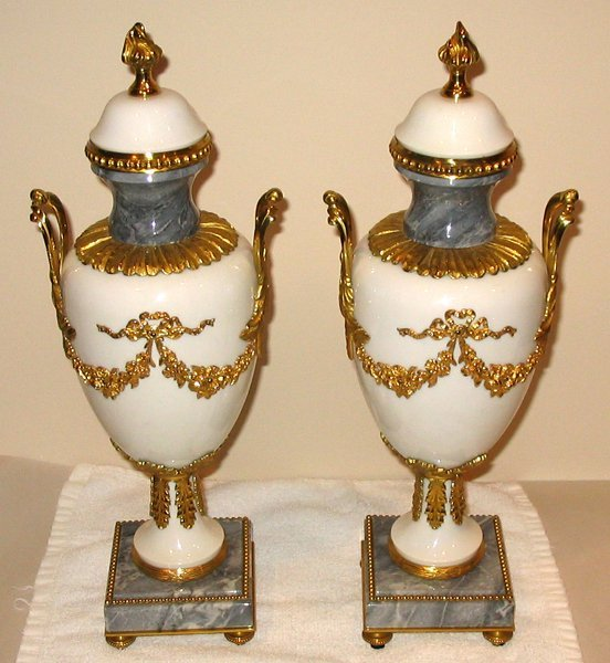 """031009: FRENCH MARBLE URNS W/ BRONZE MOUNTS, 2, H 16"""""""