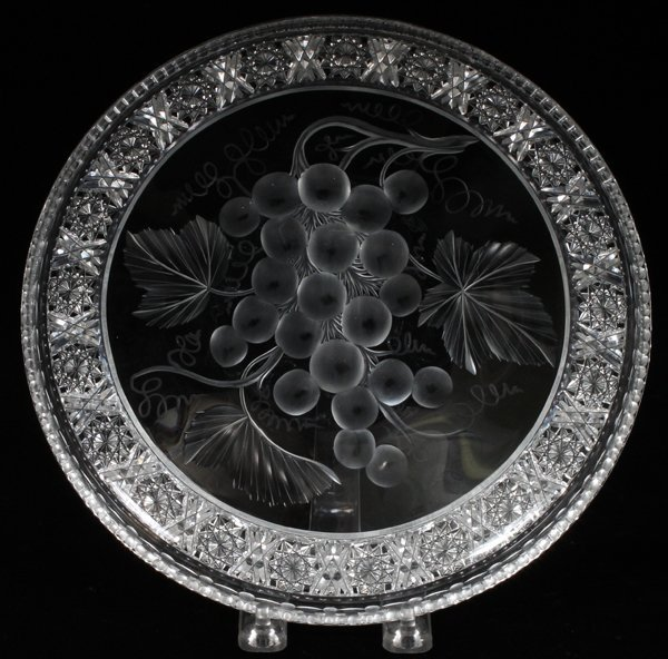 TUTHILL 'VINTAGE INTAGLIO GRAPES' TRAY