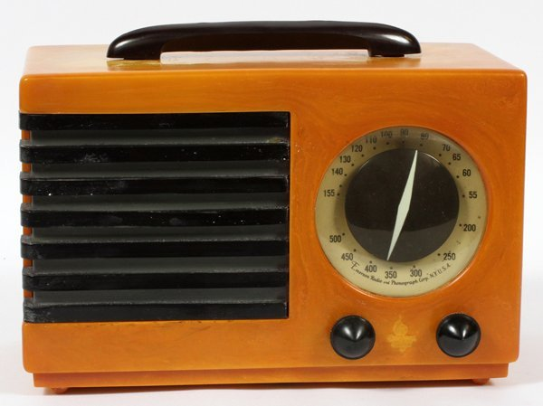 EMERSON CATALIN PORTABLE RADIO C. 1940