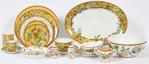 sc 1 st  LiveAuctioneers & HERMES u0027SIESTAu0027 PORCELAIN DINNER SET