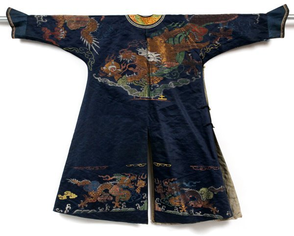CHINESE EMBROIDERED SILK ROBE EARLY 20TH C. - 3