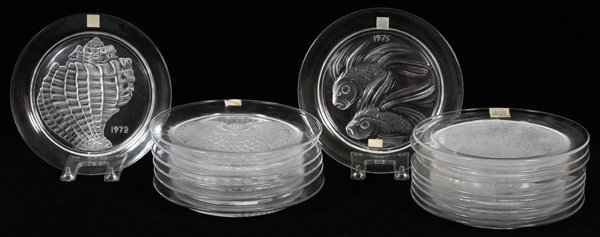 LALIQUE GLASS ANNUAL PLATES LOT OF 16