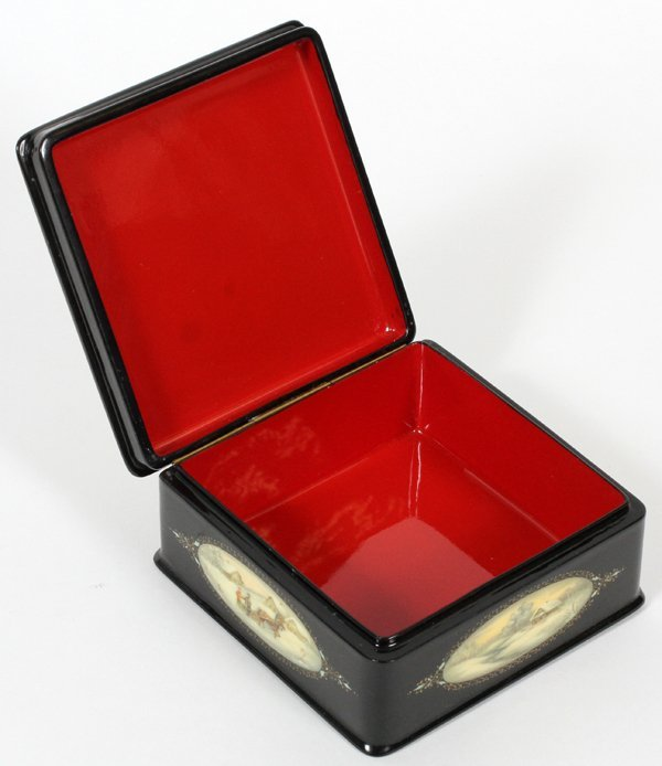RUSSIAN LACQUER HINGED BOX - 2