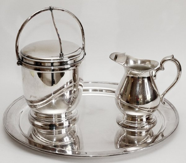 AMERICAN SILVERPLATE ICE BUCKET PITCHER & TRAY