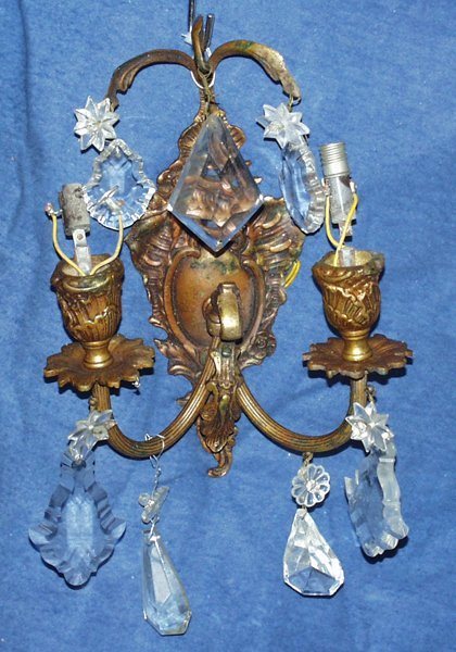 051022: FRENCH STYLE CRYSTAL & GILT METAL SCONCES