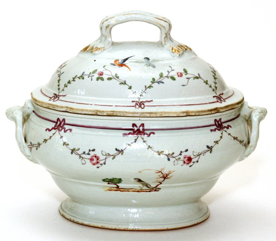 CHINESE EXPORT PORCELAIN COVERED TUREEN C. 1775 - 2