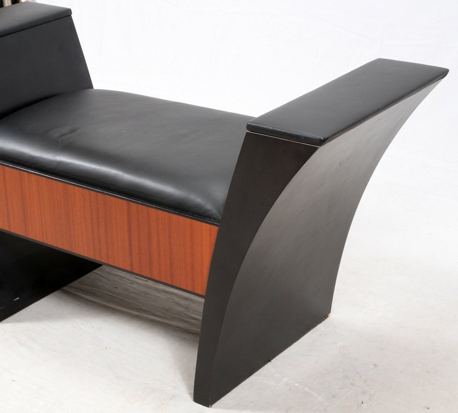 LEATHER UPHOLSTERED BANQUETTE - 2
