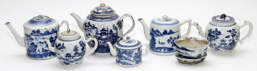 CHINESE BLUE AND WHITE PORCELAIN TEAPOTS & PLANTER - 2