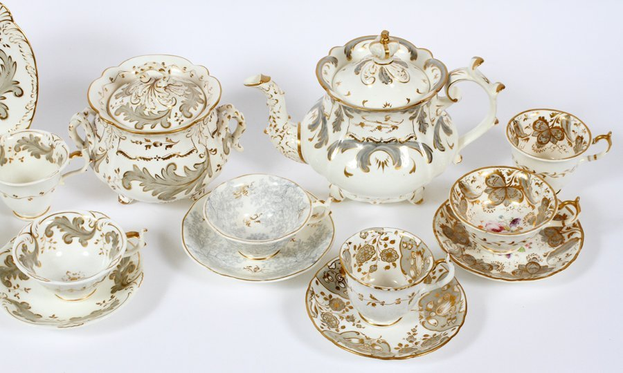 ROCKINGHAM TEA SET & ASSORTED CUPS CIRCA 1830 - 2