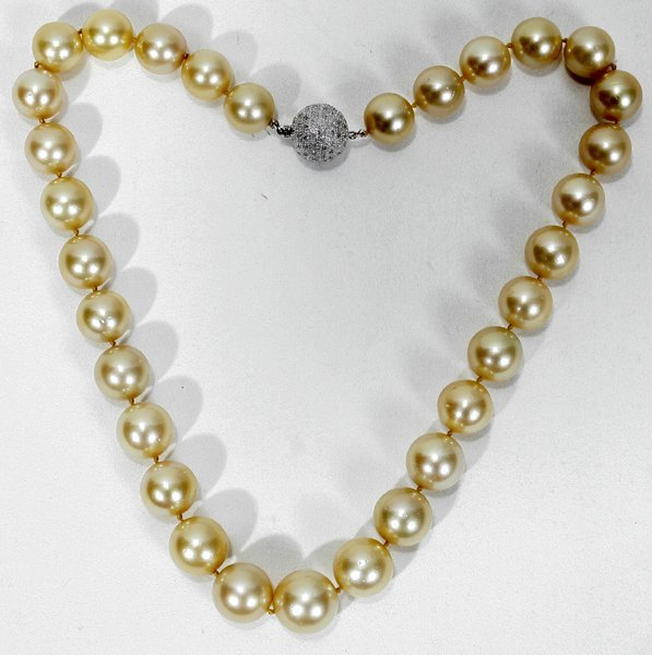 060023: 13-15.7MM GOLD COLOR SOUTH SEA PEARL NECKLACE