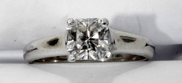 060024: TIFFANY, .8CT DIAMOND & PLATINUM RING