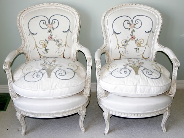 062113: LOUIS XV STYLE SILK UPHOLSTERED OPEN ARMCHAIRS