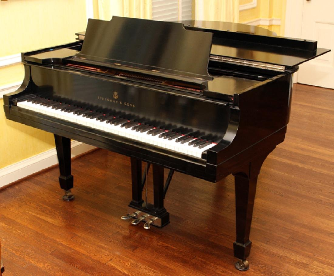 STEINWAY & SONS BLACK EBONY BABY GRAND PIANO 1927