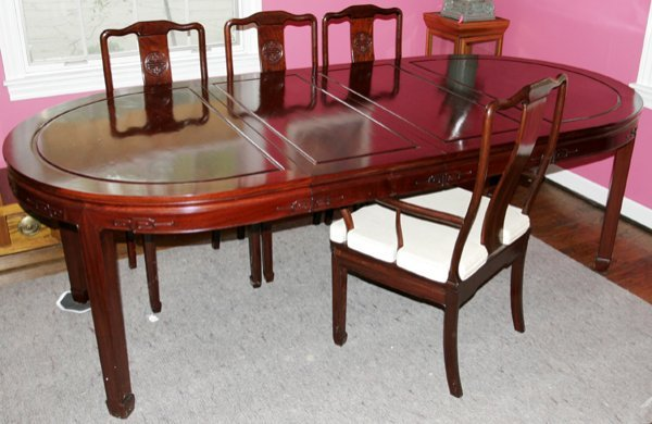 070005: CHINESE STYLE MAHOGANY DINNER TABLE & CHAIRS